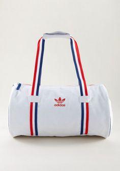 Adidas Duffle Bag, Duffel Bag, Dance Bag Duffle, Addidas Sneakers, Adidas Originals, Knitted Bags, Travel Bag, Fashion Bags, Gym Bag