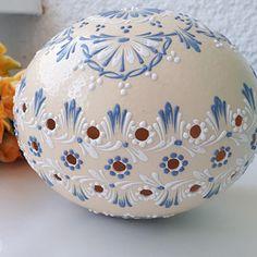 Decorative Bowls, Christmas Bulbs, Mandala, Eggs, Holiday Decor, Wood, Easter Activities, Christmas Light Bulbs, Egg