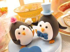 Penguin cake topper. i. just. died. a little.