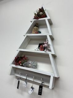 Christmas Tree Storage, Wooden Christmas Trees, Christmas Gifts, Christmas Decorations, Holiday Decor, Tree Shelf, Stocking Holders, Pallet Projects, Floating Shelves