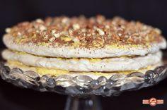 Tortul Kiev era de mult timp pe lista mea de asteptare. Asta de cand am descoperit tortul Napoleon si am intrat pe teritoriul deserturilor slave. Cand am vazut asocierea de bezea, nuca, migdale, crema de unt…mi-am zis ca musai trebuie sa incerc My Recipes, Camembert Cheese, Biscuits, Keto, Pie, Sweets, Homemade, Cookies, Healthy