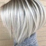 Platinum Blonde Hair Shades Ideas for Short Bob Hairstyles 2018 - Hair Styles Bob Hairstyles 2018, Short Bob Haircuts, Haircut Bob, Stacked Bob Hairstyles, Blonde Bob Hairstyles, Summer Hairstyles, Hairstyles Pictures, Modern Haircuts, Bobbed Haircuts
