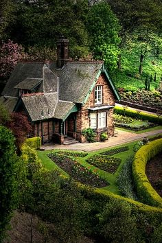 edinburgh scotland princes street gardens. How I would love to live in a tiny home like this.