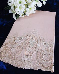 Amazing-Lace-Rose-Basket-MADEIRA-Cutwork-Embroidered-Towel   Vintageblessings