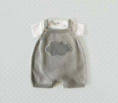 Baby clothes should be selected according to what? How to wash baby clothes? What should be considered when choosing baby clothes in shopping? Baby clothes should be selected according to … Baby Knitting Patterns, Baby Clothes Patterns, Knitting For Kids, Baby Patterns, Clothing Patterns, Knitting Ideas, Knitted Baby Clothes, Cute Baby Clothes, Baby Clothes Shops