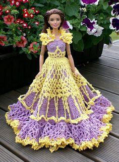 Teine Barbie kleit, mille tegin lehelt Annie's e-PatternsCentral.com leitud mustri järgi ( Miss August 1992 ), ent kuna seegi kleit on vaid...
