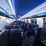 Trenul privat care străbate România şi face senzaţie printre români. Oferă condiţii de lux la preţuri mai mici decât ale CFR