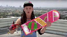 Offizieller Hoverboard-Werbespot feiert die kultigste aller Back to the Future 2 Erfindungen. #bttf #bttfday #bttf2015 #bttf2 #hoverboard #faketrailer #fakespot #fakead #fakeadvertisment