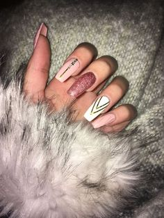 Nails, Glitter Nails, Nägel, Pink Nails, Acrylic Nails - Nails Tip Acrylic Nails Natural, Fall Acrylic Nails, Acrylic Nail Art, Acrylic Nail Designs Glitter, Christmas Acrylic Nails, Coffin Acrylic Nails Long, Pink Nail Designs, Super Nails, Nagel Gel