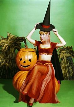 Kitschy Living brings us Barbra Eden. The genie in witchy poo mode. She is still one of the hottest tv women ever.