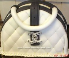images of pocketbook cakes | Coolest Homemade Purse Birthday Cake 62