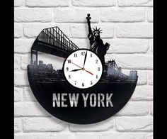 Clocks – New York vinyl record wall clock – a unique product by MaxRecords on DaWanda