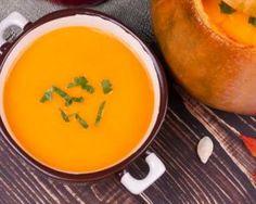 Soupe au potimarron express : http://www.fourchette-et-bikini.fr/recettes/recettes-minceur/soupe-au-potimarron-express.html