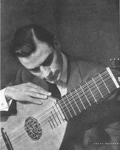 Lutenist Julian Bream Julian Bream, Music Corner, String Theory, Elegant Man, Guitar Players, Classical Guitar, Music Theory, Composers, Soul Music