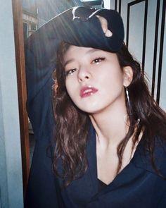Seulgi ll Red Velvet Kpop Girl Groups, Korean Girl Groups, Kpop Girls, Park Sooyoung, Seulgi Photoshoot, Seulgi Instagram, Kang Seulgi, Red Velvet Seulgi, Kim Yerim