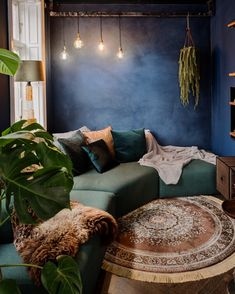 KABE wall decor: Inspired by the exotic and colorful style in this living room! The wall is in the shade of Deep Blue See all our colors here: … Bohemian Living Rooms, Living Room Decor, Living Spaces, Bedroom Decor, Decor Room, Bohemian Decor, Boho Kitchen, Trendy Home, New Wall