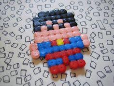 Pixel Clark K. - mini héros [disponible en magnet ou en broche] : Broche par klothilde sur ALittleMarket