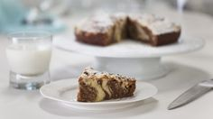 Marbled chocolate crumb cake - RTE Food