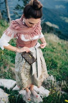 One Dirndl – Three Styles – Du rockst mein Leben – Tracht Kleidung und Schmuck… One Dirndl – Three Styles – You Rock My Life – Traditional Clothing and Jewelry – Dirndl Outfit, German Costume, Jean Short Outfits, Oktoberfest Outfit, Outfits Damen, Grunge Look, Historical Clothing, Traditional Dresses, Dress To Impress