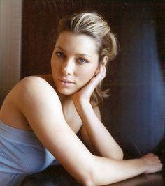Jessica Biel in soft summer makeup