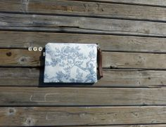 TOILE french blue pouch  zippered closure  leather by dawnaparis, €28.00