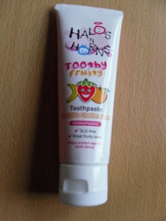 I have heard great things about Halos N Horns but never tried any of their products until now.  We were given a tube of Halos N Horns Toothy Fruity Toothpaste which is for children aged 6 and under.