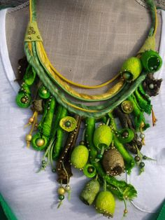VENDUES - boucles d'oreilles cocons de soie - feutrine de laine - perles magiques