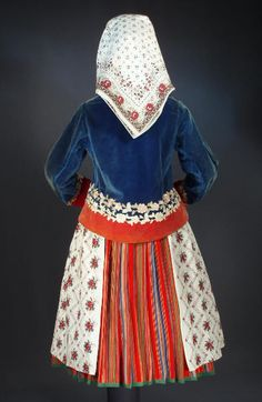 Woman's costume from Wilamowice, Poland (back)