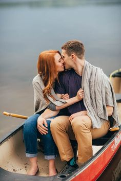 Casual Engagement Session Canoeing in Alberta | Tricia Victoria Photography