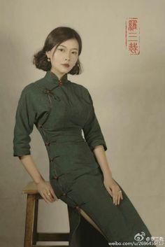 罗三裁的照片 - 微相册@瑶菇凉丶采集到旗 袍。(13116图)_花瓣服装