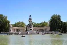 Visiter Madrid! Un savant mélange de culture, gastronomie, shopping et de soirées animées. La parfaite destination pour une escapade européenne!