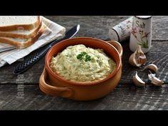 Salata de dovlecei cu maioneza (CC Eng Sub) Veg Recipes, Easy Healthy Recipes, Cooking Recipes, How To Eat Paleo, Food To Make, Pumpkin Salad, Romanian Food, Mayonnaise, Food Videos