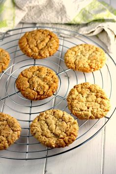 An easy and quick egg free golden syrup and oat cookie recipe. Oat Biscuit Recipe, Oat Cookie Recipe, Biscuit Cookies, Cookie Recipes, Dessert Recipes, Desserts, Biscuit Recipes Uk, Healthy Oat Cookies, Healthy Biscuits