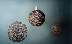 Saat tyylikästä lisäilmettä kotiisi narusta punotuilla lampunvarjostimilla ja koristepalloilla.