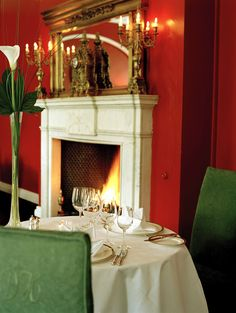 Dunbrody House is a Georgian manor house hotel and restaurant set amidst 300 acres of tranquil parkland on the Hook Peninsula in Co. Dunbrody also offers a cookery school with residential courses for food lovers of all abilities Ireland Homes, House Ireland, Castle Restaurant, Manor House Hotel, Waterford Ireland, Cosy Winter, Shore Excursions, Dining, Luxury