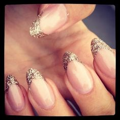 gold glitter almond nails - I want @Alyssa Miller