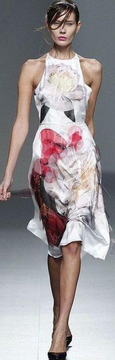 beautiful summer dress. Juan Vidal