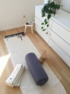 Weekend! Time for that extra long home yoga practice 🙏  This home yoga set-up is featuring our organic cotton yoga rug and blanket, cork blocks, and buckwheat filled bolster. Find all your home practice essentials in our stores or online at www.yogisha.nl Home Yoga Practice, Yoga At Home, Buckwheat, Floor Chair, Cork, Organic Cotton, Kids Rugs, Yoga Mats, Blanket
