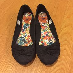Price drop! Rocketdog Myrna Thai silk ballet flats Worn once, in awesome condition! Beautiful stylish silk! I love these flats, they go with everything! Selling because they are slightly too small. Rocket Dog Shoes Flats & Loafers