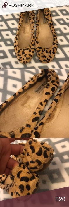 Steve Madden leopard cow hair flats sz 8 used Used had a few bald spots not really noticeable they've mostly been in my closet. Sz 8 super cute flats. More pictures available upon request Steve Madden Shoes Flats & Loafers