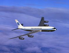 The 707 shrank the world with its speed - Airline Ratings Boeing 707, Boeing Aircraft, Passenger Aircraft, New York To Paris, Pan Am, Air Festival, Commercial Aircraft, Civil Aviation, Diesel Locomotive
