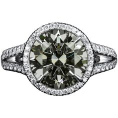 Chameleon Diamond Ring 4.03 Carats. A rare diamond that changes color.