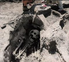 9 Foot Human Skeleton Unearthed in Ancient Montana City (Bullshitia ?) Who is from Helena and knows about this ? That`s right - NO ONE ! Fools...