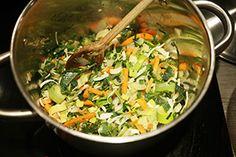 Snelle basis groentesoep - Leuke recepten Grains, Rice, Yummy Food, Chicken, Meat, Blog, Delicious Food, Blogging, Seeds