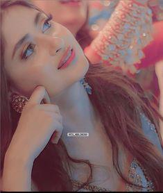 Cute Girl Face, Cute Girl Photo, Girl Photo Poses, Girl Photos, Sajjal Ali, Cute Muslim Couples, Afghan Clothes, Girl Hiding Face, Girl Attitude