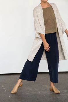Rebekka Kimono in Cotton/Linen Sweater Knit – Elizabeth Suzann Look Fashion, Hijab Fashion, Fashion Outfits, Looks Style, Casual Looks, My Style, Simple Style, Look Boho, Look Chic