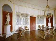 Charlottenhof http://www.museumsportal-berlin.de/media/museums/schloss-charlottenhof-stiftung-preuische-schlosser-und-garten-berlin-brandenburg/_cache/20140330161744.jpg_max.jpg