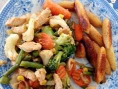 Wokban készült zöldséges husi recept lépés 5 foto Kung Pao Chicken, Cobb Salad, Paleo, Food And Drink, Chinese, Favorite Recipes, Dinner, Cooking, Ethnic Recipes
