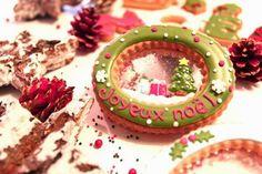 christmas snow globe icing cookies