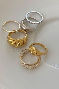 Dainty Jewelry, Cute Jewelry, Gold Jewelry, Jewelry Accessories, Fashion Accessories, Fashion Jewelry, Star Jewelry, Funky Jewelry, Luxury Jewelry